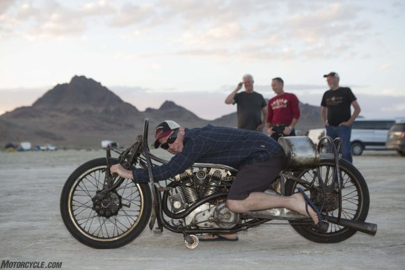 082517-indian-scout-spirit-of-munro-bonneville-salt-flats-speed-week-AB9T5879