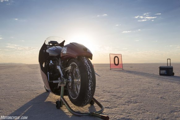 082517-indian-scout-spirit-of-munro-bonneville-salt-flats-speed-week-AB9T5972