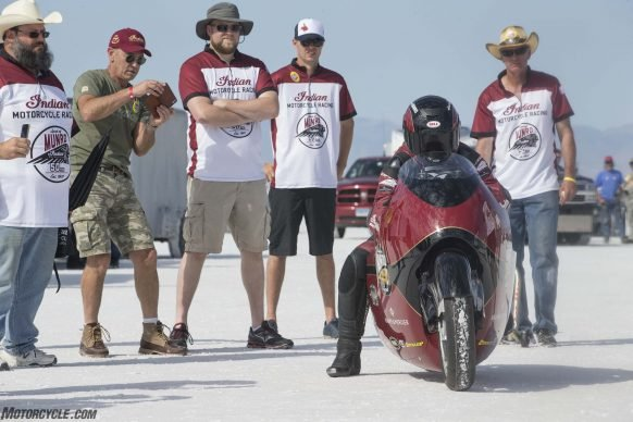 082517-indian-scout-spirit-of-munro-bonneville-salt-flats-speed-week-AB9T6224