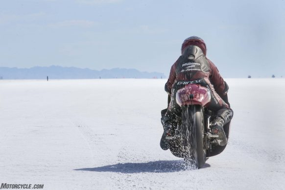 082517-indian-scout-spirit-of-munro-bonneville-salt-flats-speed-week-AB9T6233
