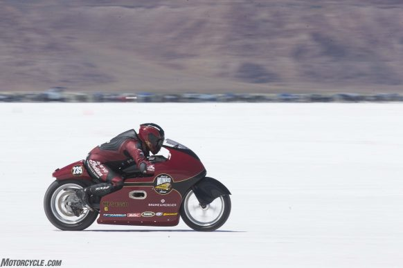082517-indian-scout-spirit-of-munro-bonneville-salt-flats-speed-week-AB9T6269