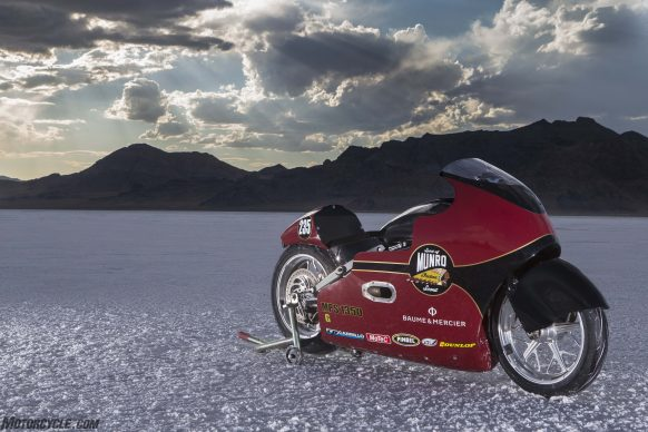 082517-indian-scout-spirit-of-munro-bonneville-salt-flats-speed-week-AB9T6365