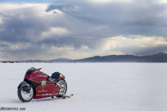082517-indian-scout-spirit-of-munro-bonneville-salt-flats-speed-week-AB9T6413