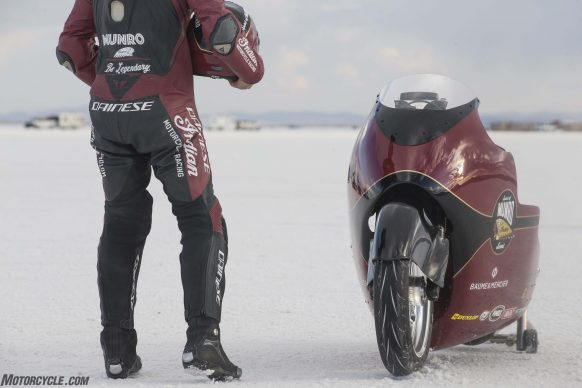 082517-indian-scout-spirit-of-munro-bonneville-salt-flats-speed-week-AB9T6491