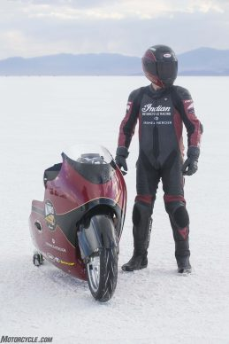 082517-indian-scout-spirit-of-munro-bonneville-salt-flats-speed-week-AB9T6571