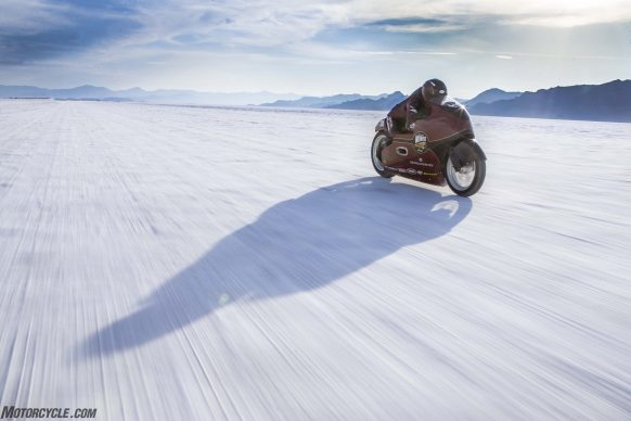 082517-indian-scout-spirit-of-munro-bonneville-salt-flats-speed-week-AB9T6943