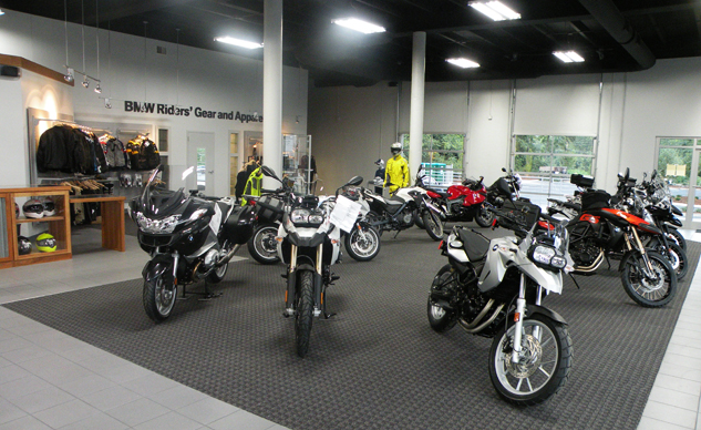 082917-bmw-asheville-dealership-f