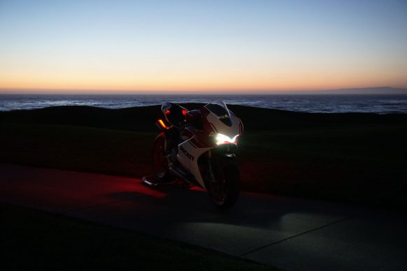 090517-ducati-ceo-2017-1299-Panigale-r-Final-Edition-Sunset