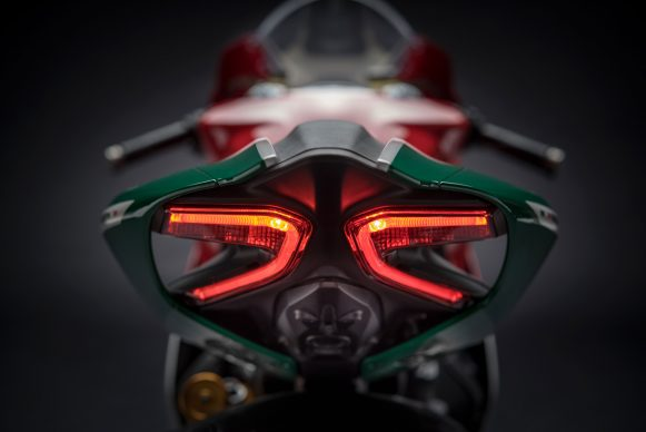 090517-ducati-ceo-2017-1299-Panigale-r-Final-Edition-taillight