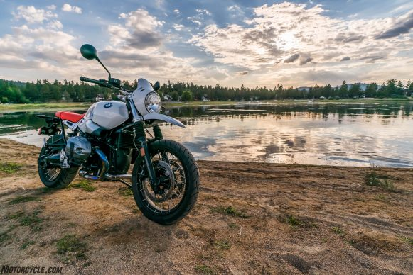 090617-13k-softcore-adventure-shootout-bmw-r-ninet-urban-gs-_DSC3495