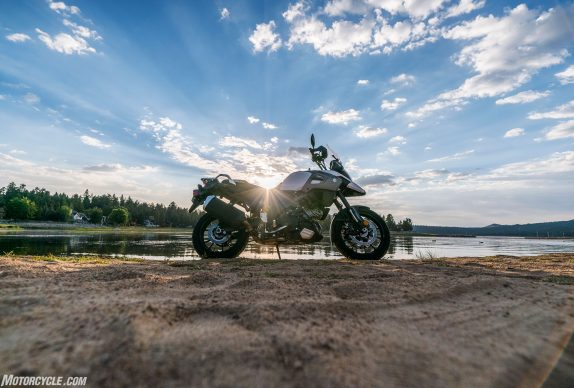 090617-13k-softcore-adventure-shootout-suzuki-v-strom-1000_DSC3568