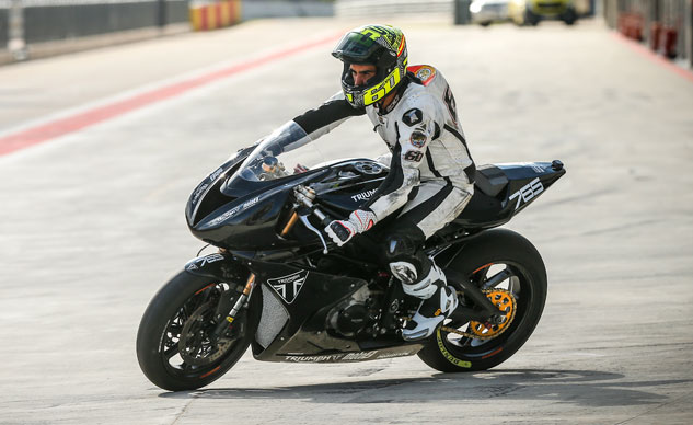 090817-triumph-daytona-based-moto2-test-prototype-f