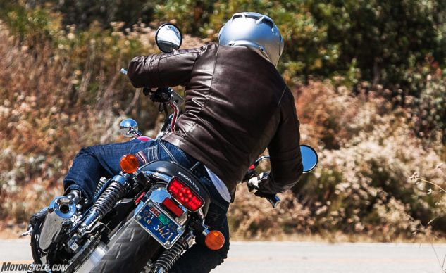 092017-55-collection-bene-jacket-riding-action-2
