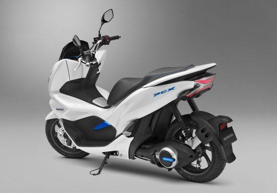 102517-honda-pcx-electric-c171025_070H
