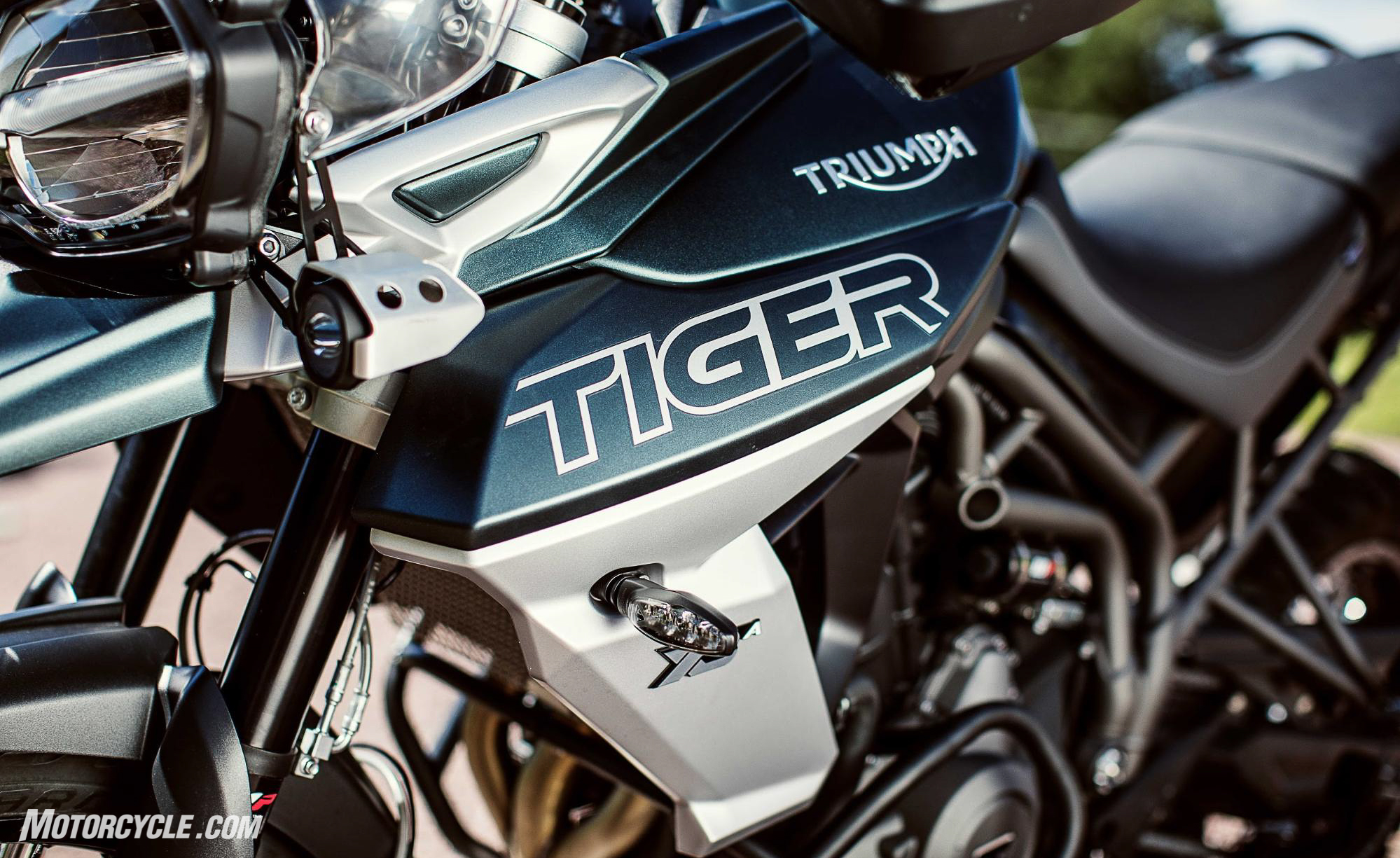 First Look 2018 Triumph Tiger 800 Xc And Xr