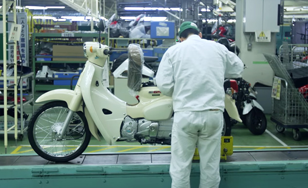 121817-honda-super-cub-manufacturing-video-f