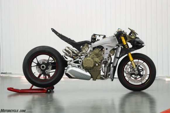 012318-2018-ducati-PANIGALE V4 SPECIALE ROLLING CHASSIS 01