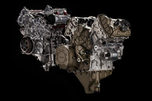 012418-2018-ducati-PANIGALE V4-engine