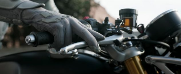 Triumph Thruxton R in Ant-man and the Wasp