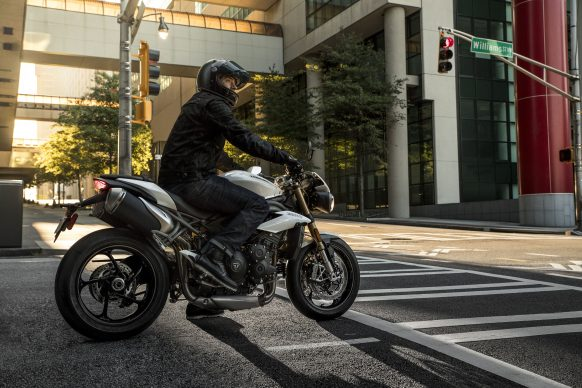 020518-2018-triumph-speed-triple-s-7J9A9526_S