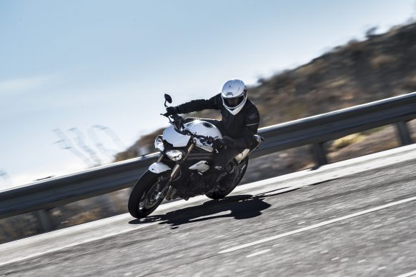 020518-2018-triumph-speed-triple-s-BA8I5536