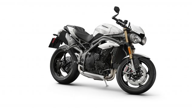 020518-2018-triumph-speed-triple-s-Speed Triple S – Front 3-4 Crystal White
