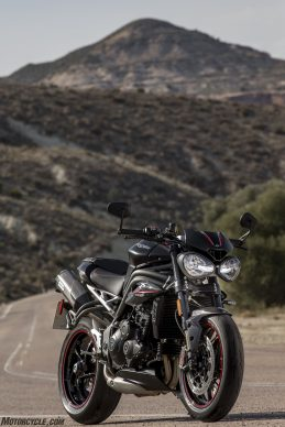 022218-2018-triumph-speed-triple-rs-70