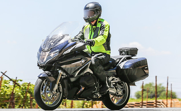 030718-2019-BMW-R1200RT-Facelift-f