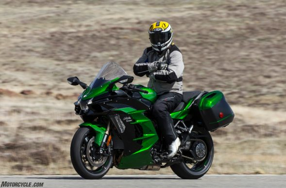 032218-top-10-kawasaki-ninja-h2-sx-facts-05-cruise-control