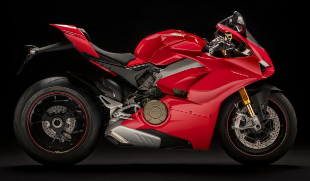 050218-2018-ducati-panigale-v4s-right
