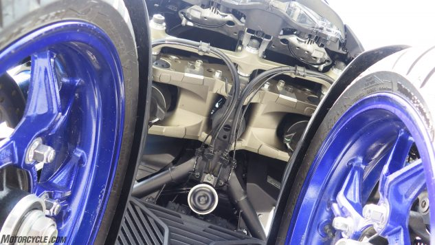 052818-2019-yamaha-niken-three-wheeler-IMG_8454