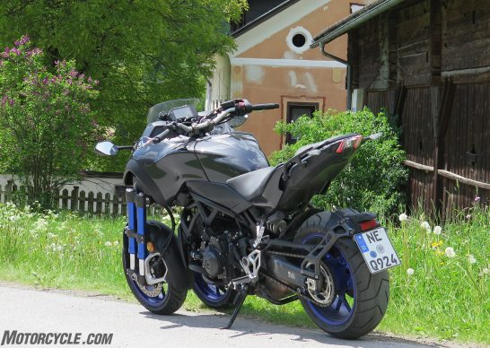 052818-2019-yamaha-niken-three-wheeler-IMG_8480