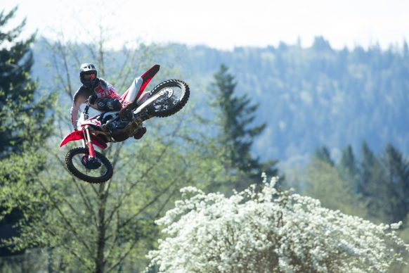 19 Honda CRF250R_Action_3