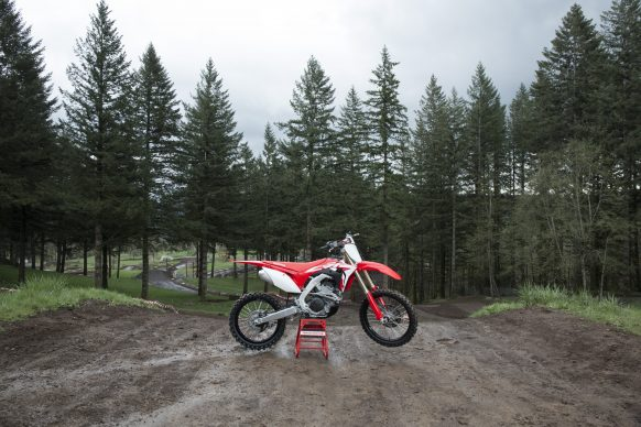 19 Honda CRF250R_Beauty_01