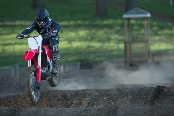 19 Honda CRF450R_Action_3