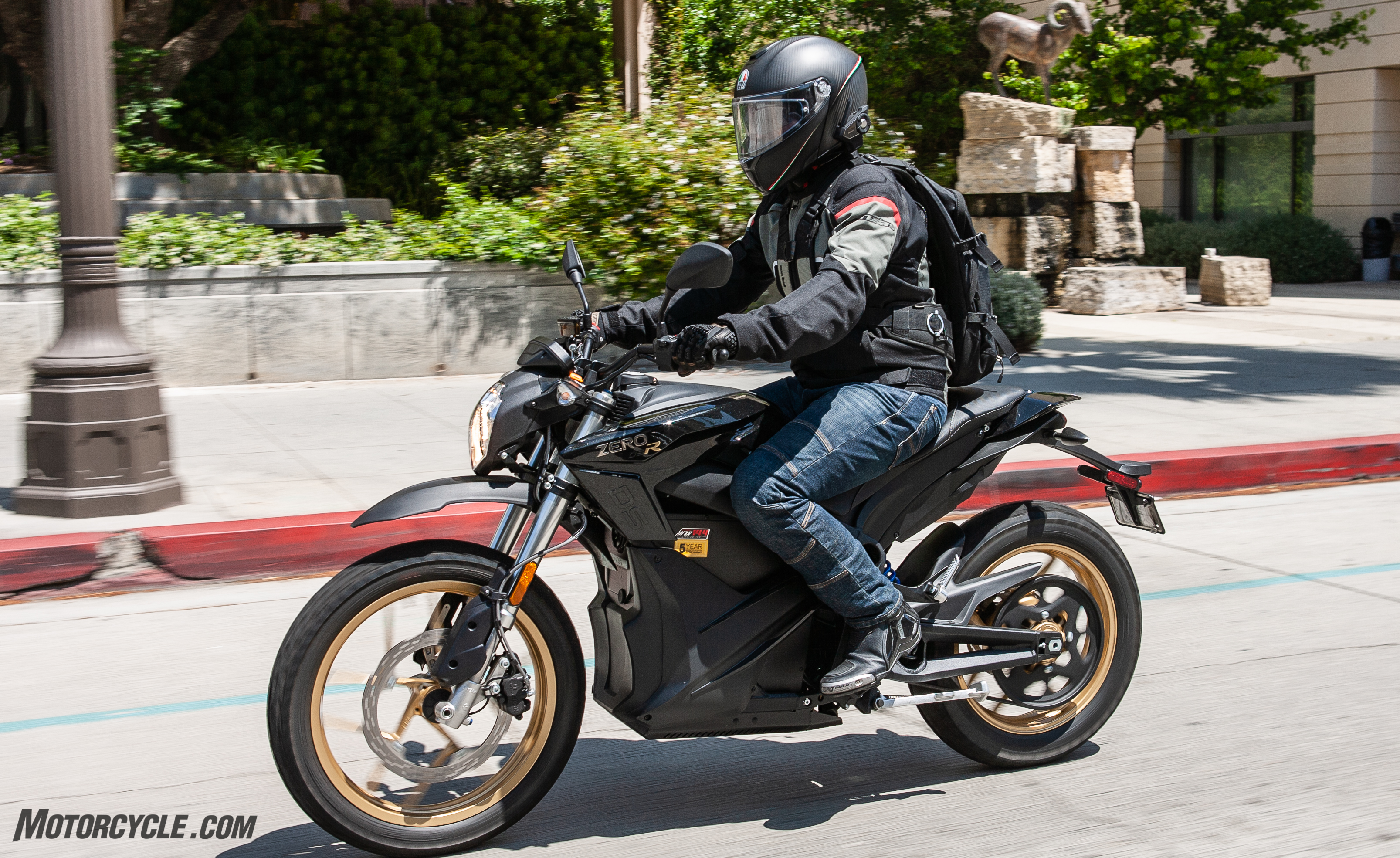 Urban Electric Motorcycles: BMW C Evolution Scooter And Zero DSR