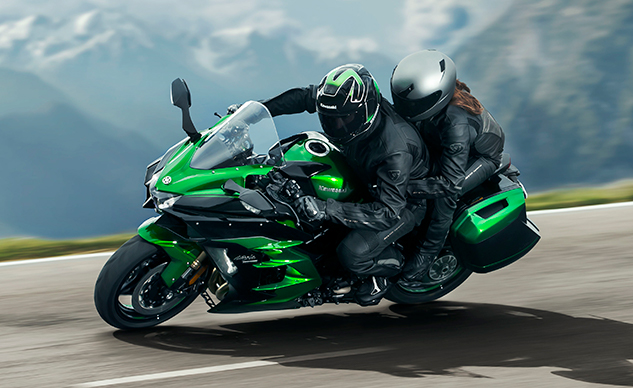 062218-how-to-ride-with-passenger-kawasaki-ninja-h2-sx-f