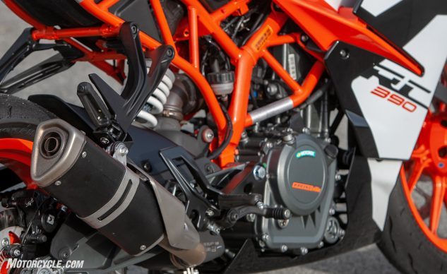 2018 KTM RC390 engine and exhaust