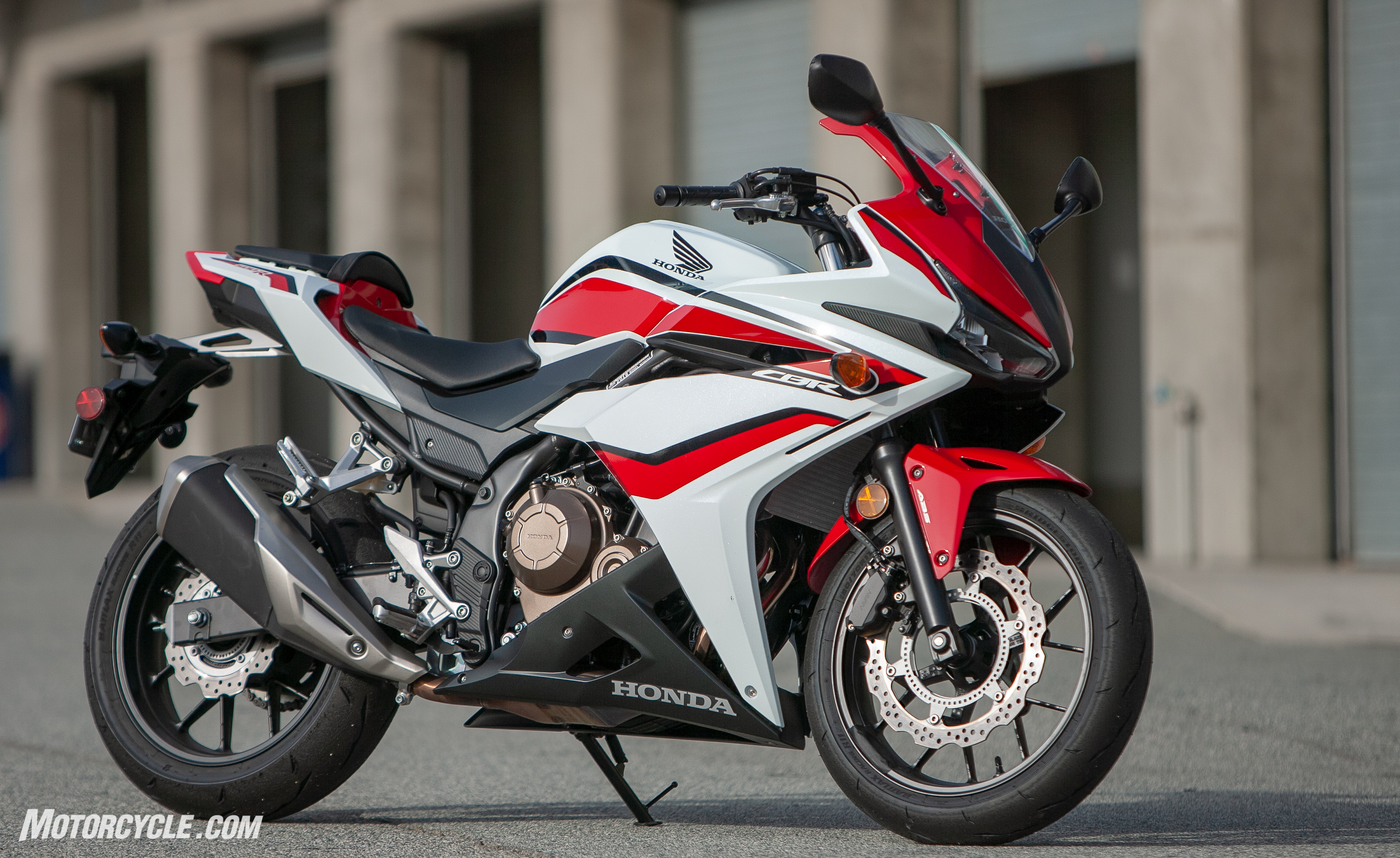 five things you need to know about the 2018 honda cbr500r. Black Bedroom Furniture Sets. Home Design Ideas