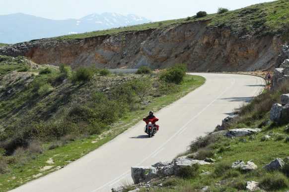 070518-top-10-prepare-international-motorcycle-trip-08-curving-road