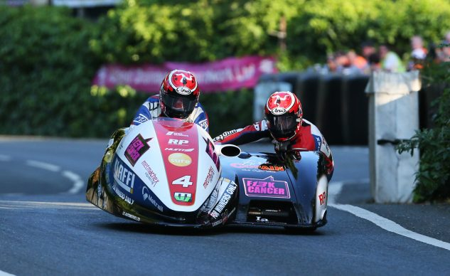 072018-tim-reeves-mark-wilkes-iomtt-2018-sidecar-crop