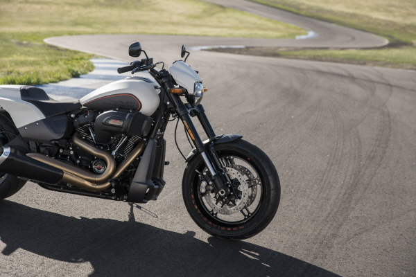 Harley Davidson Fxdr 114 India Launch Price Specs: 2019 Harley-Davidson FXDR 114 Revealed