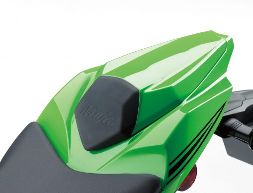 090418-2019-kawasaki-ninja-zx-10r-pillion-seat-tail-cover