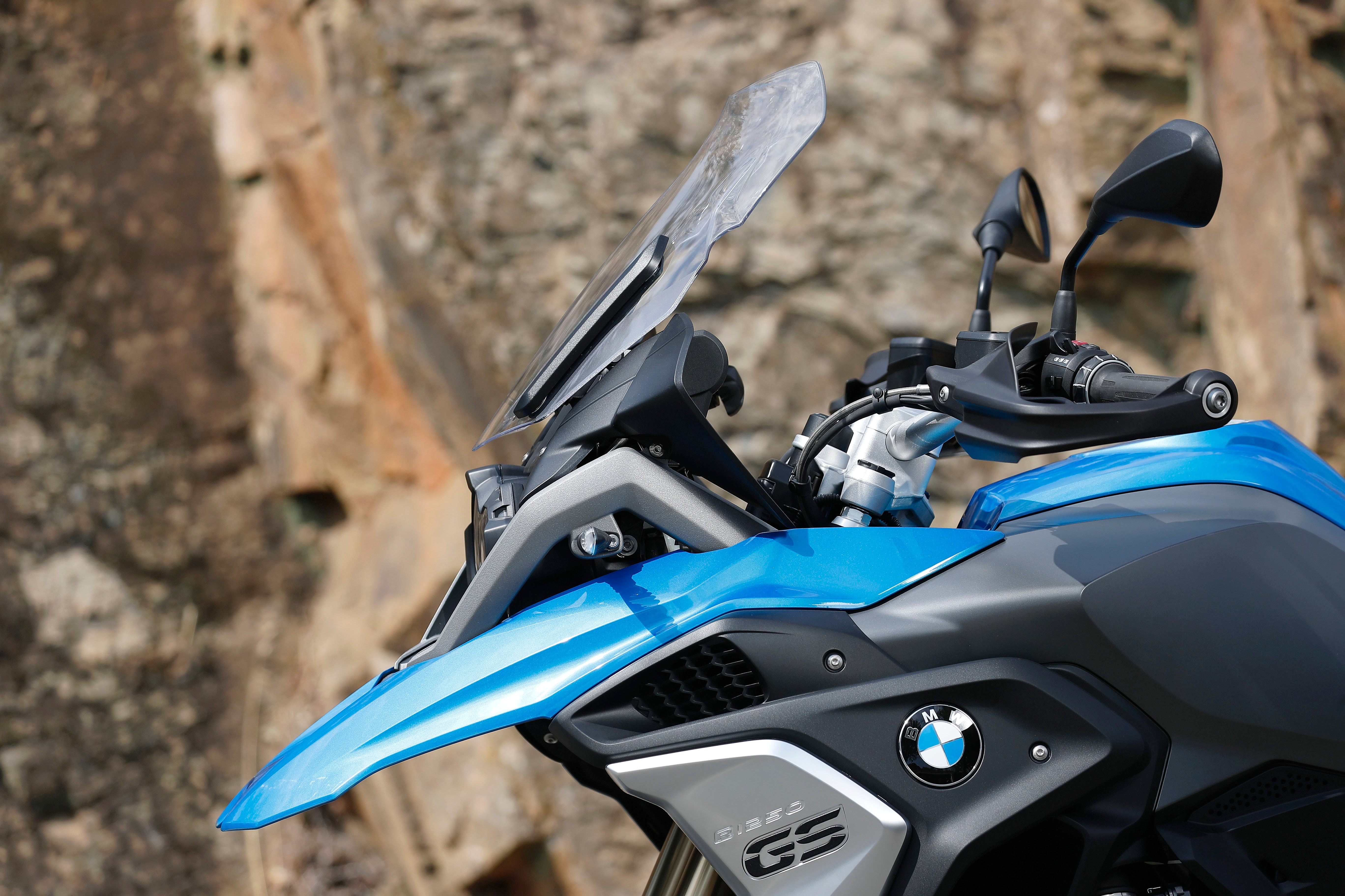 2019 Bmw R1250gs And R1250rt With Shiftcam Vvt Announced