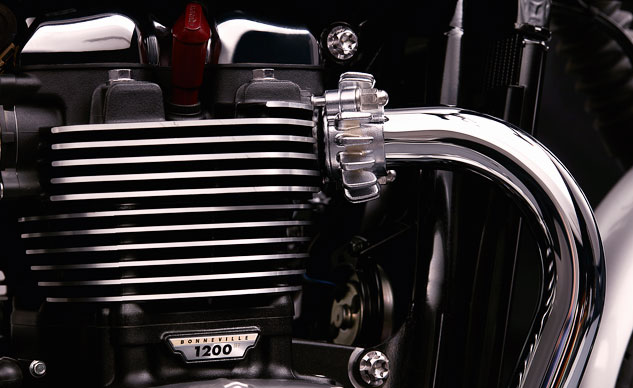 092318-triumph-speed-twin-bonneville-1200-engine-f