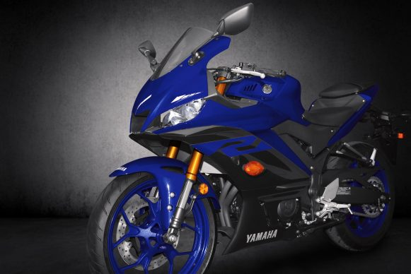 101118-2019-Yamaha_YZF-R3_Team Yamaha Blue_Front Side_B_RGB