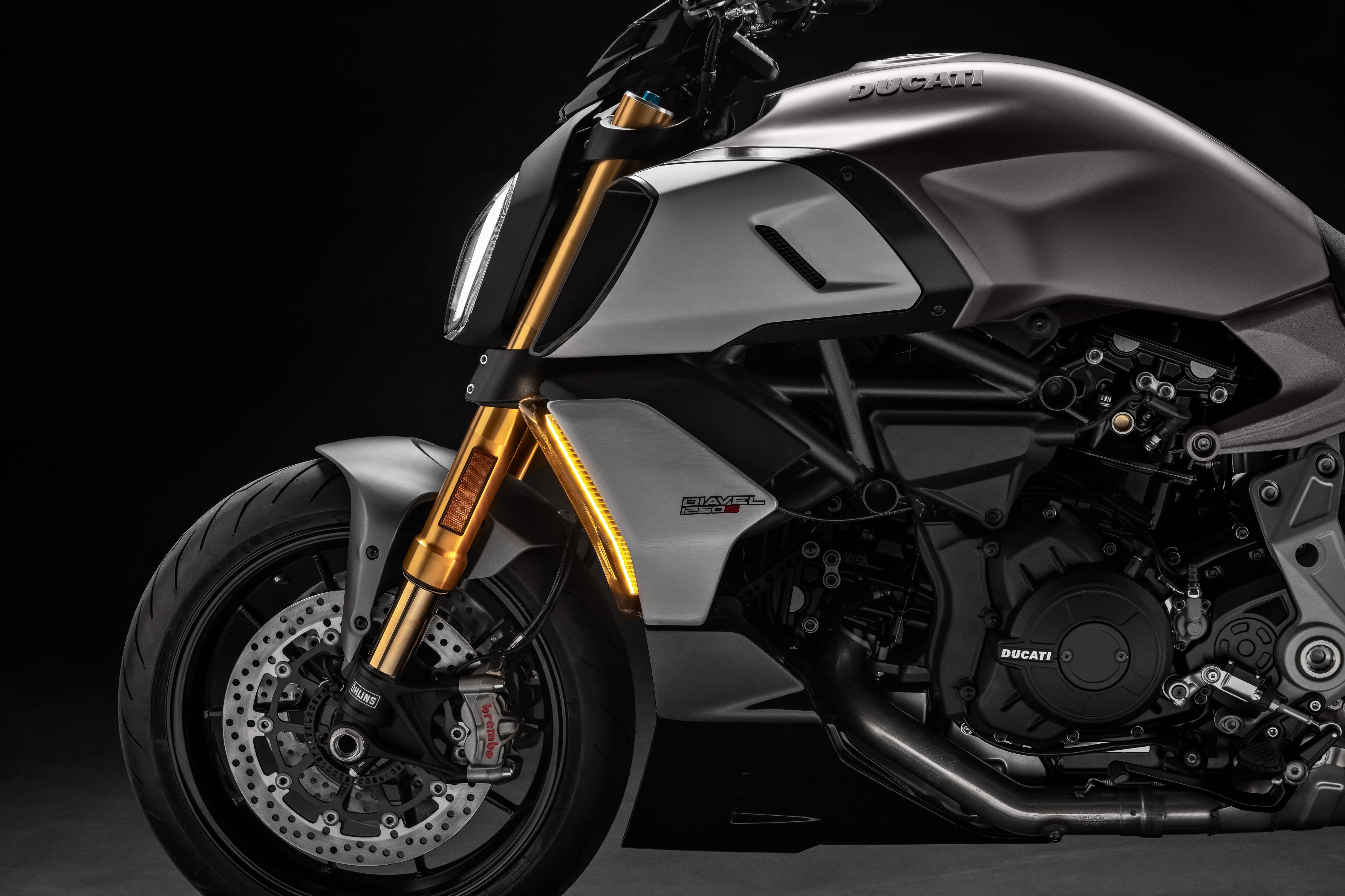 2019 Ducati Diavel 1260 First Look - Motorcycle com