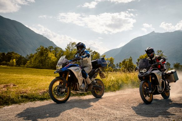 110618-2019-BMW-F850GS-Adventure-P90327712