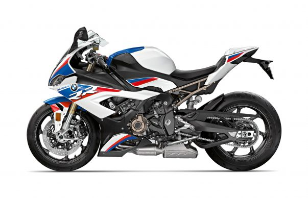 110618-2019-BMW-S1000RR-P90327354-highRes