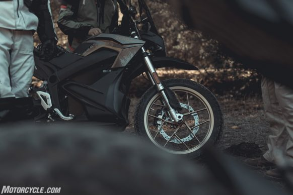 111318-2019-zero-dsr-review-electric-dual-sport-B42I4714-2